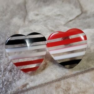 Jewelry - Vintage 80s heart earrings